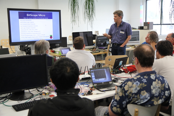 Bruce from BitScope presenting BitScope Workshop at OzBerryPi.